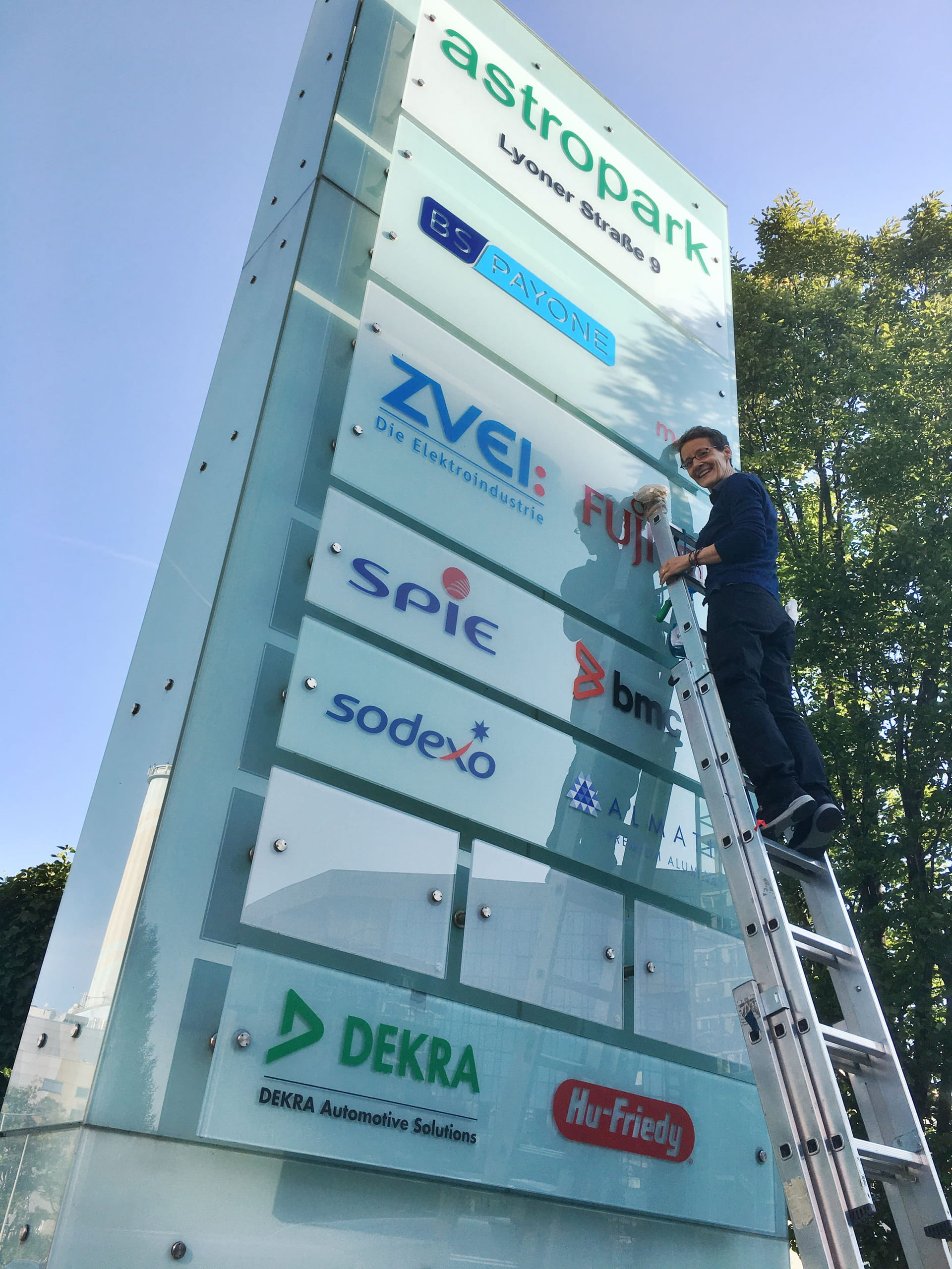 Signage Sign system with lettering in Frankfurt am Main by anplakt