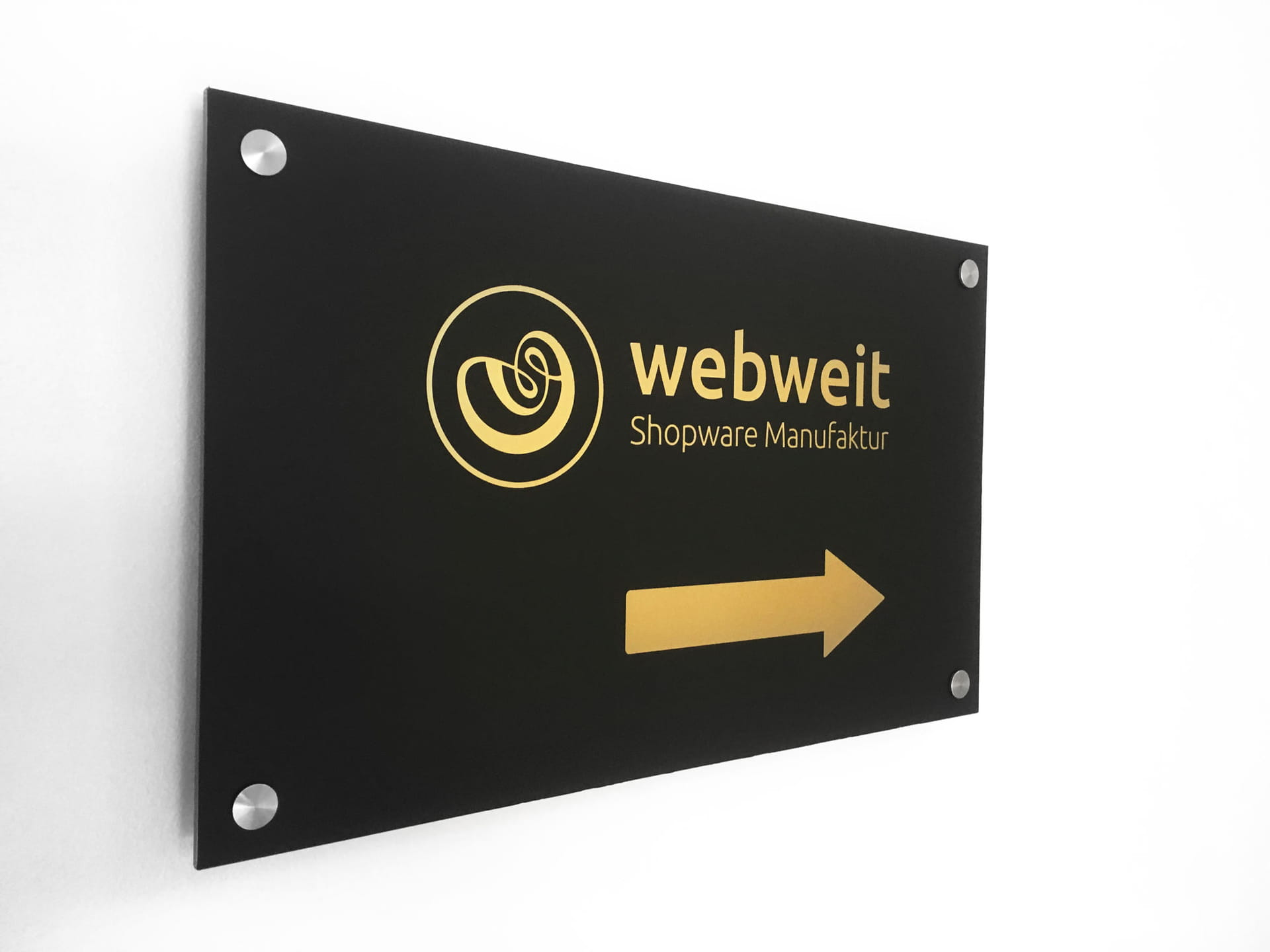 Orientation sign made of composite aluminium with foil lettering and signage with stainless steel spacers in Frankfurt