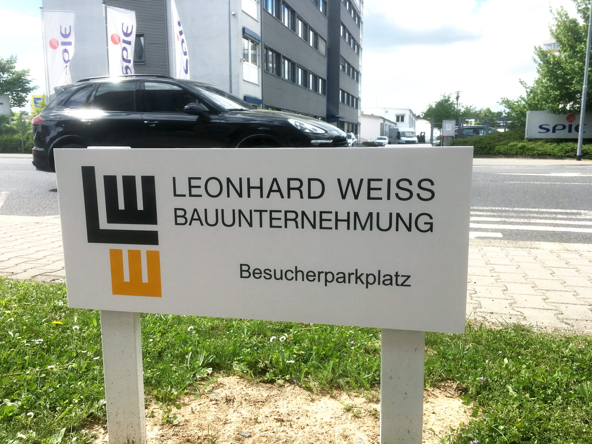 Parking sign individual signage PVC sign with cut foil lettering in Frankfurt am Main