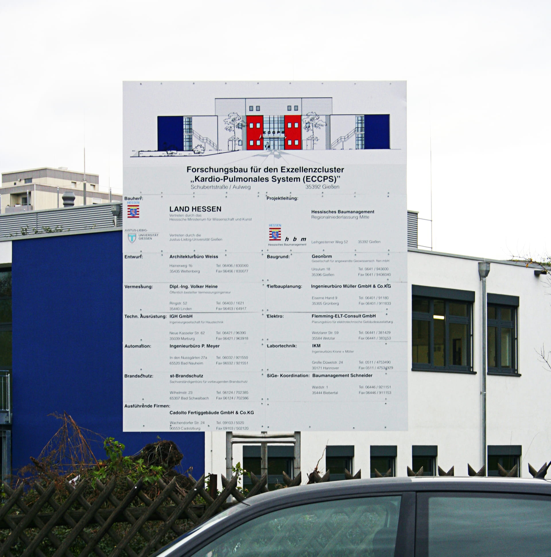 Construction site sign with lettering made of aluminium composite with foil prints in Frankfurt am Main by anplakt