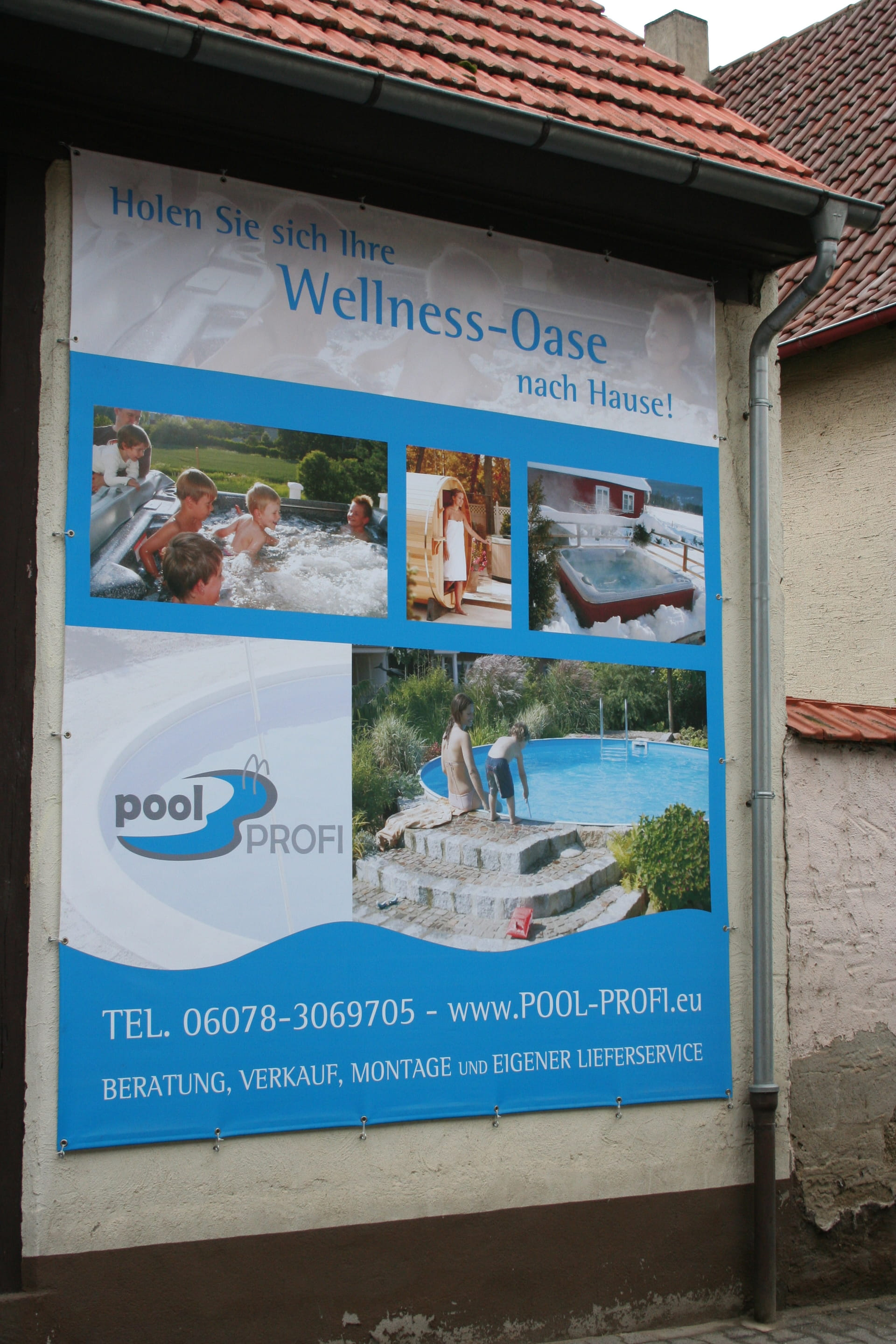 Large area printed weatherproof banner all around seamed and eyed Frankfurt Rhein Main by anplakt