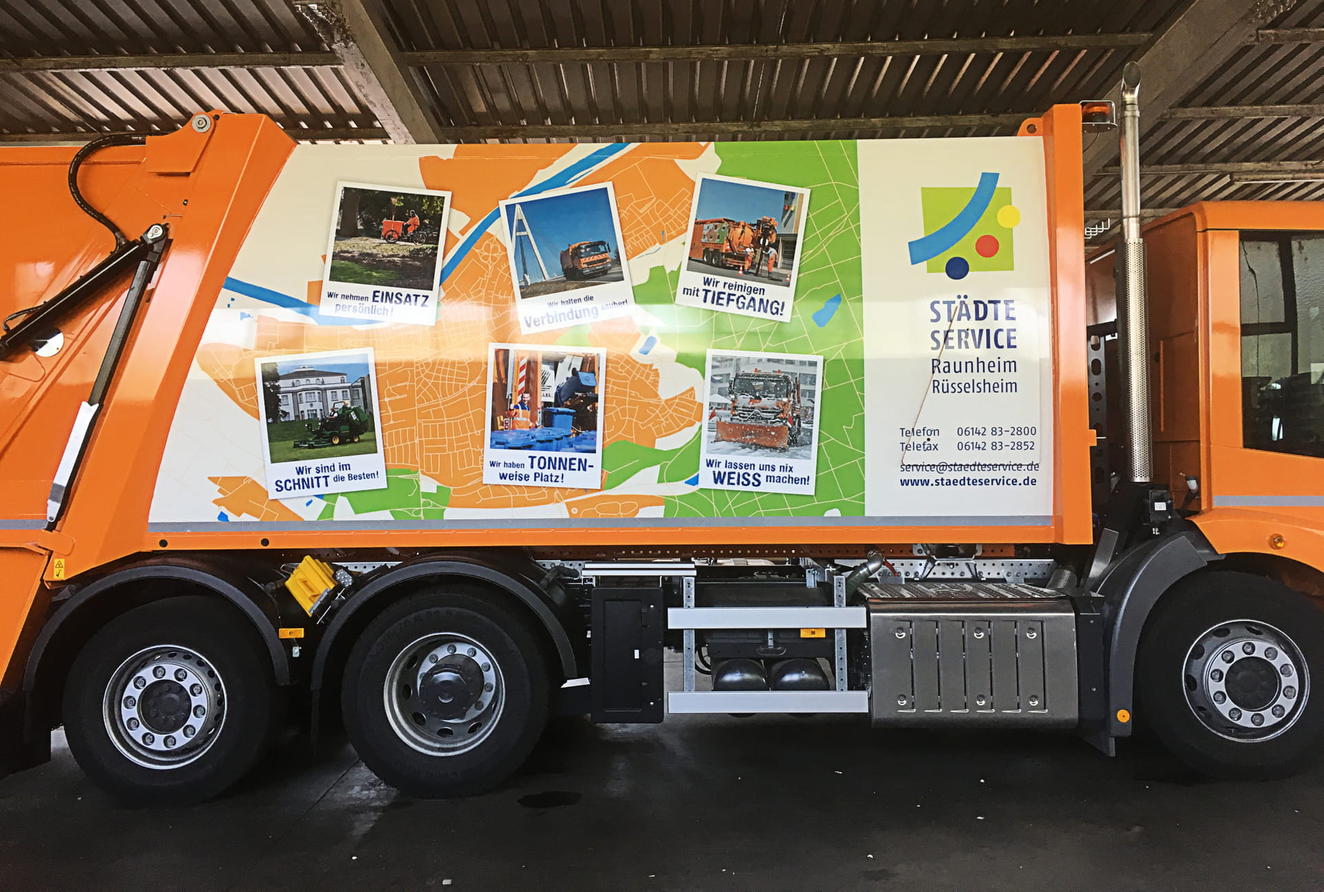 Digital printing for large vehicles car wrapping and Foil printing, powerpress garbage truck (vehicle lettering) for Städteservice from anplakt